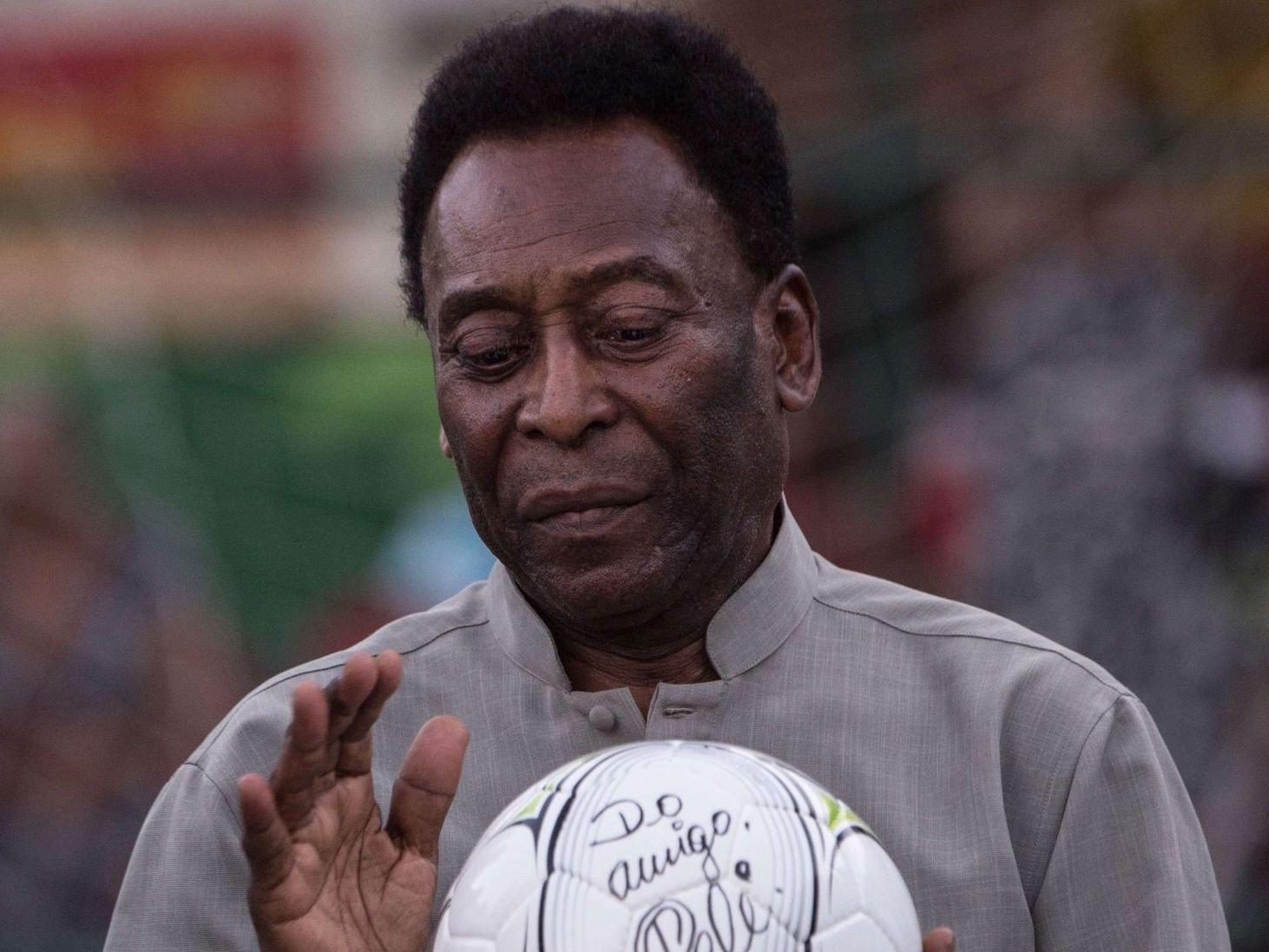 TIL SYKEHUS: Pelé.