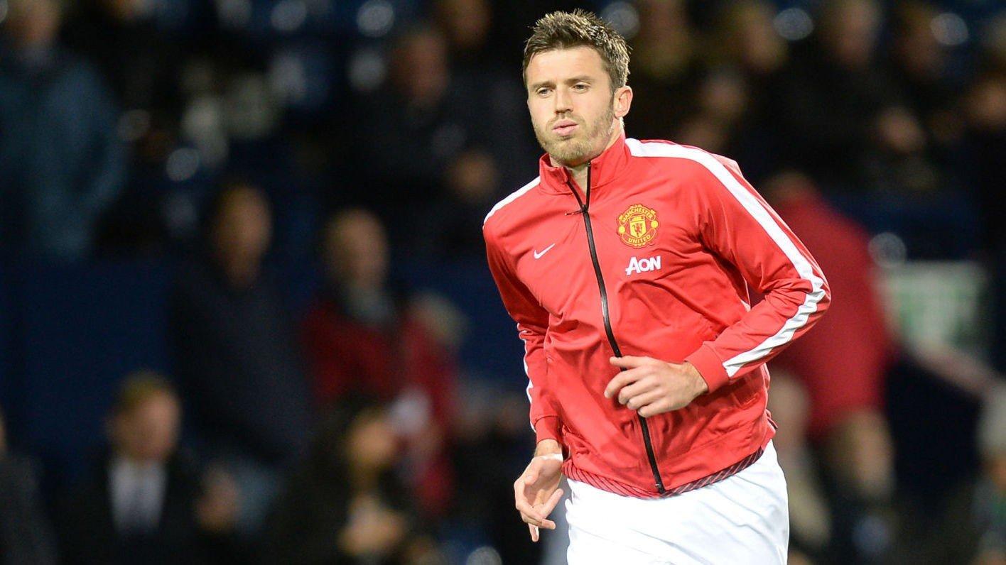 ØNSKER Å BLI: Michael Carrick håper å bli værende i Manchester United.