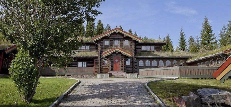 KAN TA PRISREKORD: Hytta som Svein Erik Bakke bygget i Trysil i 1997, kan nå bli solgt for en solid prisrekord i Trysil.