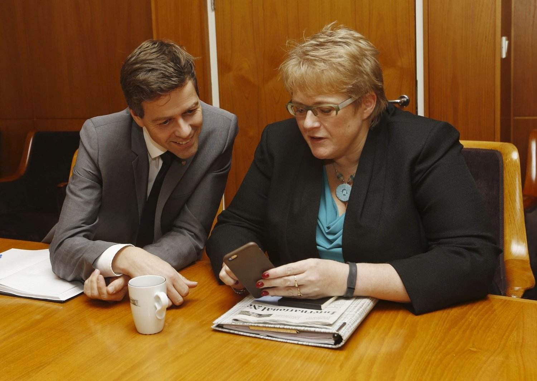 FRAMGANG: Trine Skei Grande (V) og Knut Arild Hareide (KrF).