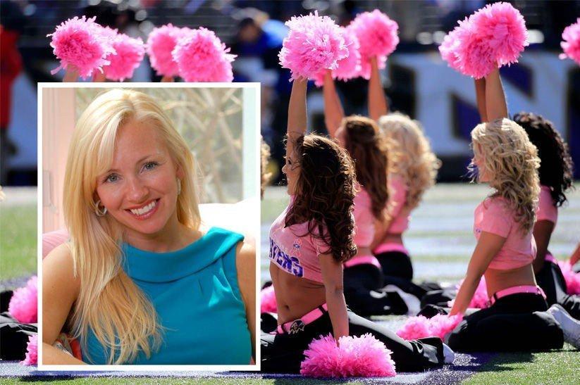 Den tidligere Baltimore Ravens cheerleaderen, Molly Shattuck, er tiltalt for voldtekt av en 15 år gammel gutt.