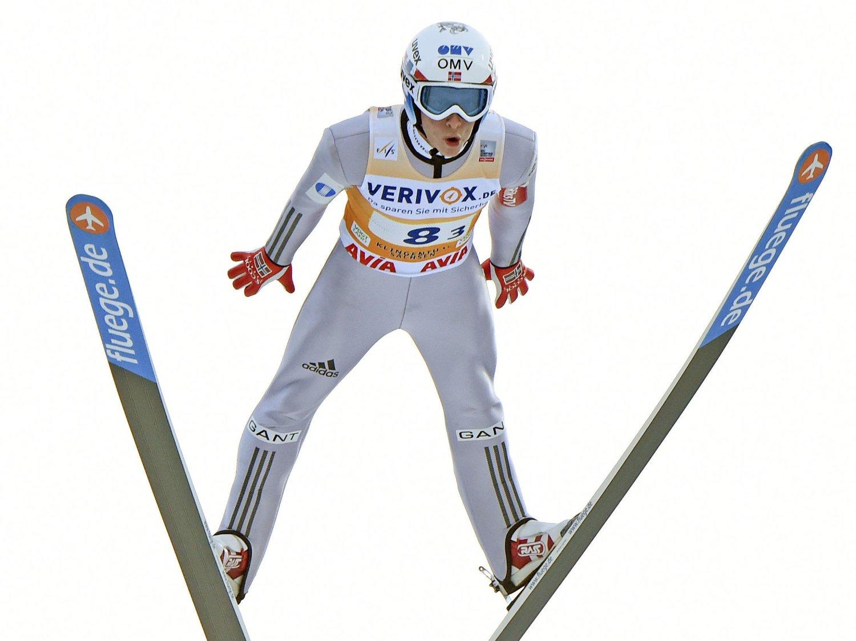 HOLDT IKKE UNNA: Anders Fannemel slo av ni meter i andrehoppet sitt i Klingenthal.