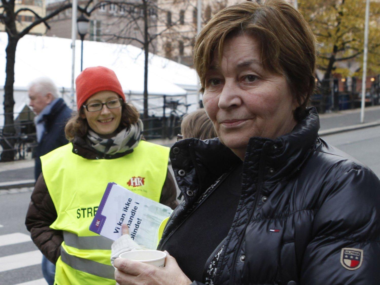 MILLIONLØNN: LO-leder Gerd Kristiansen tjener i år 1,2 millioner kroner, mens hennes ansatte streiker fordi de er misfornøyde med lønna.