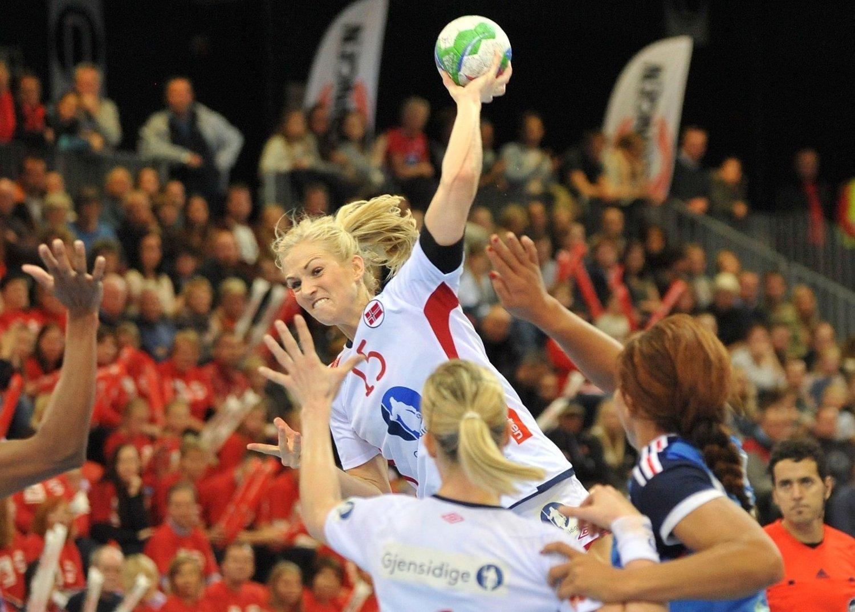 Linn Jørum Sulland er blant annet kjent for sin venstreslegge, men den får hun ikke brukt i EM.