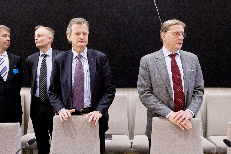 Konsernsjef Jon Fredrik Baksaas og styreleder Svein Aaser i Telenor møter i kontroll- og konstitusjonskomiteens åpne høring om Vimpelcom-saken i Stortinget.