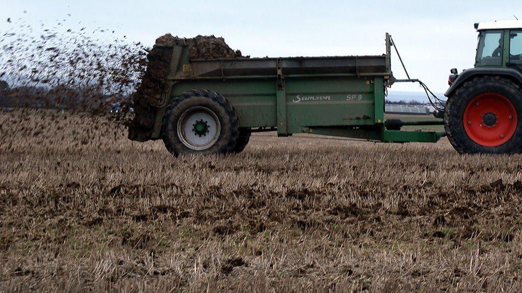 Norge har gode grunner til å være restriktive når det gjelder import av landbruksvarer, mener tidligere departementsråd.