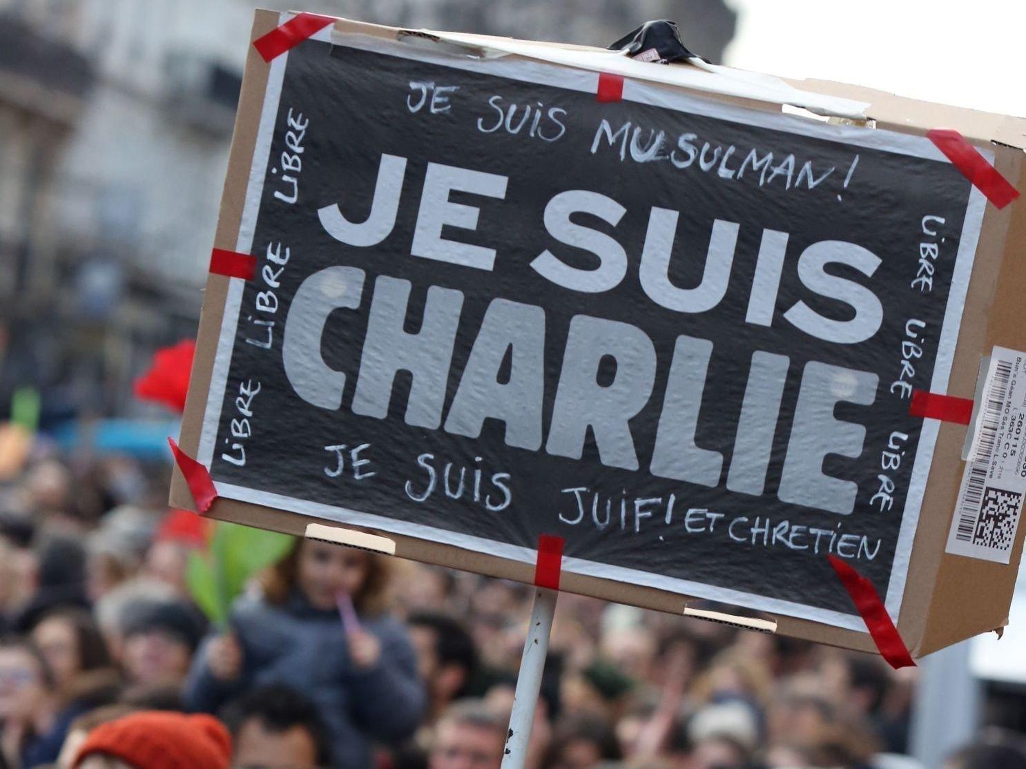 Bildet er tatt av en av de mange Je suis Charlie-markeringene som ble holdt verden over etter terrorangrepet i Paris.