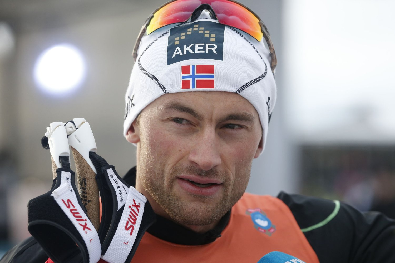 FOTLENKE: Petter Northug vil sone med fotlenke, utenfor sessongen.