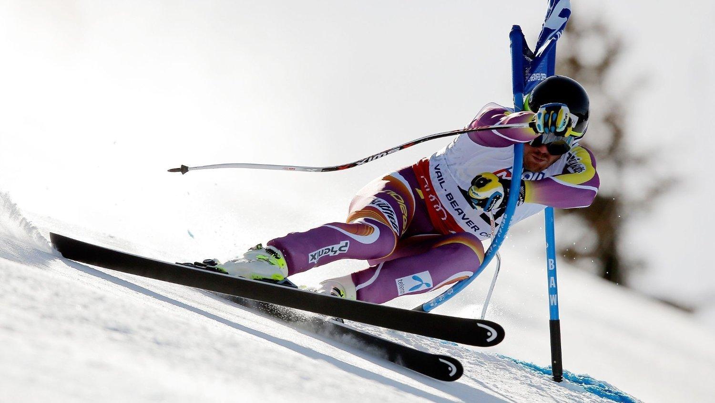 SKADET SEG: Kjetil Jansrud kræsjet inn i den tredje porten og ødela skulderen sin under super-G-rennet.