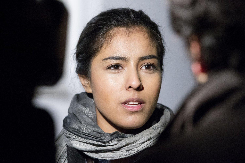 STOLT: 17 år gamle Hajrah Asrhad var en av initiativtakerne bak Fredens ring, en markering der muslimer og jøder slo ring rundt synagogen til det Mosaiske Trosamfunn i Oslo.