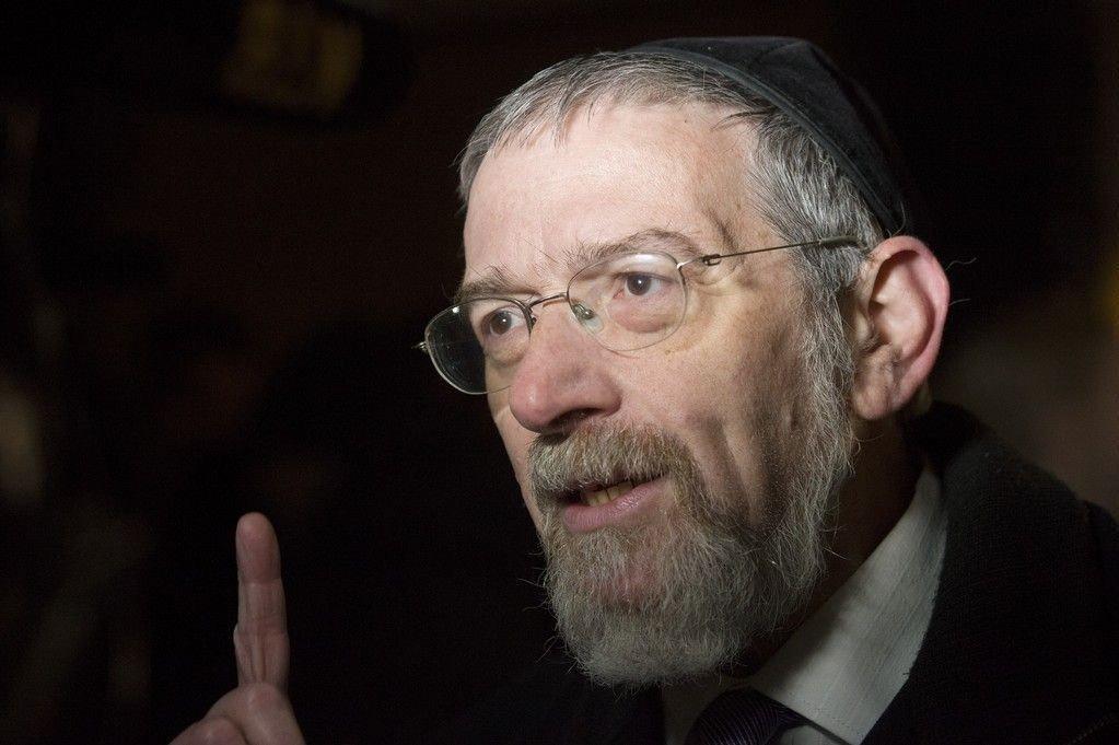 Overrabbiner Michael Melchior etter markeringen Fredens ring der muslimer slo ring rundt synagogen til Det Mosaiske Trossamfund i Oslo lørdag kveld.