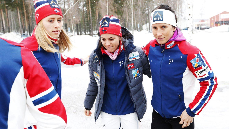 HÅPER PÅ SVENSK GULL: Marit Bjørgen håper Sverige får et VM-gull på hjemmebane. Her sammen med Heidi Weng og Ragnhild Haga (t.v.).