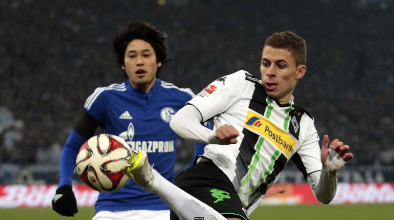 SELGES: Thorgan Hazard (t.h.) i aksjon mot Schalke 04.