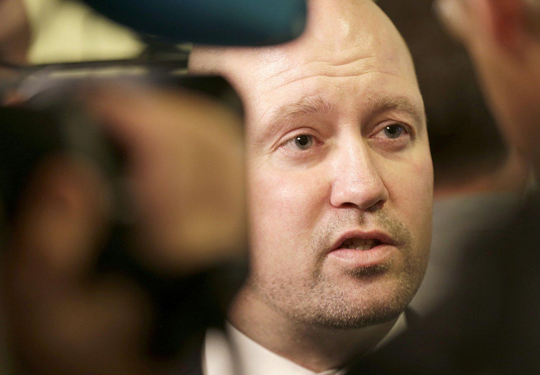 Justis- og beredskapsminister Anders Anundsen (Frp) signerer mandag avtalen med Nederland om leie av fengselsplasser.