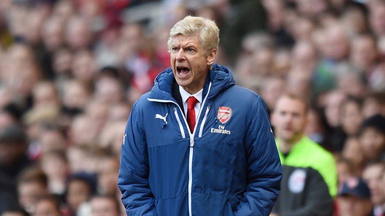 UTE AV KAMPEN: Arsene Wenger hevder Arsenal ikke har sjans til å vinne Premier League denne sesongen.