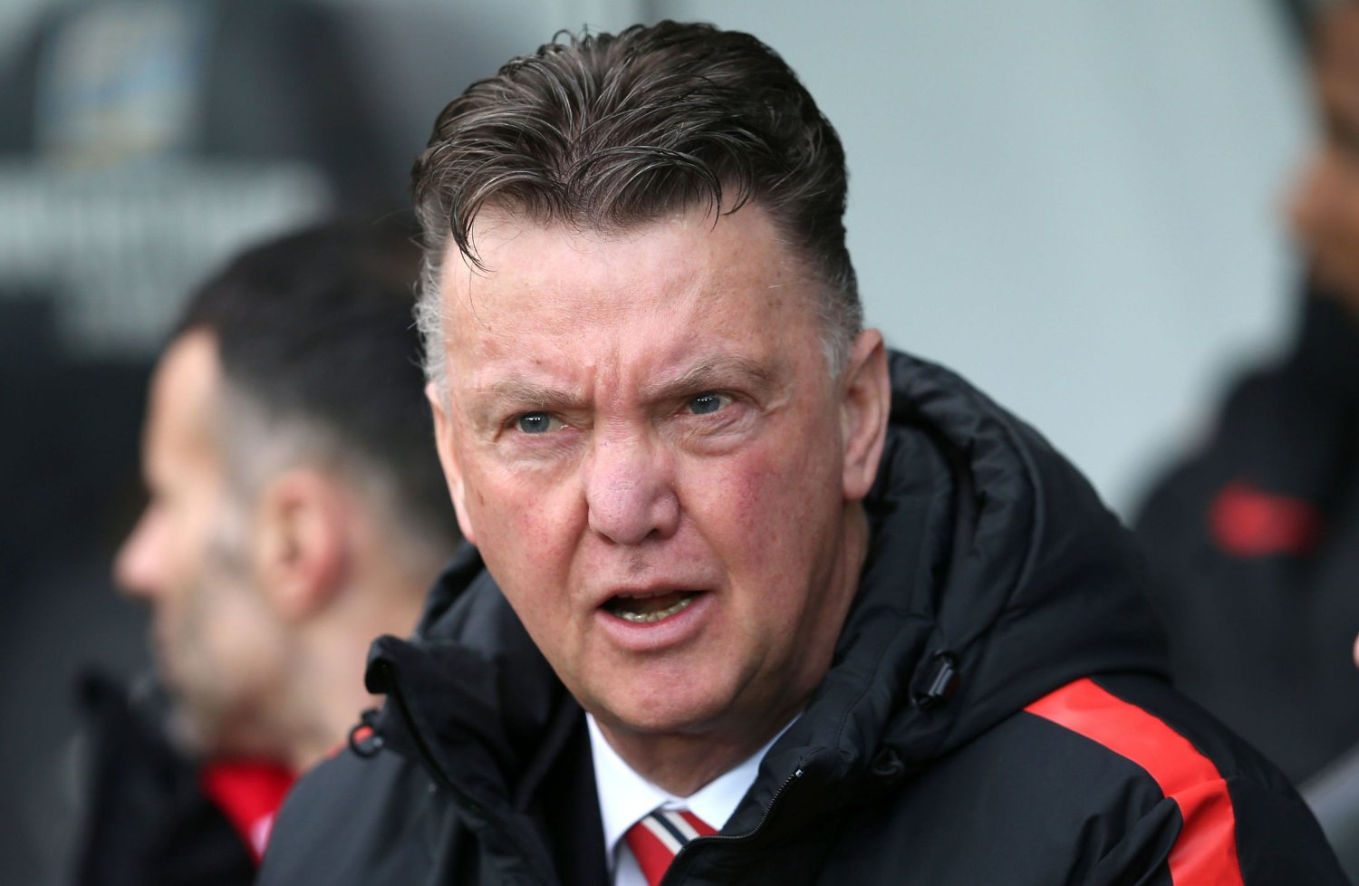 TAR GREP: Louis van Gaal tar grep for at Manchester United skal prestere bedre.