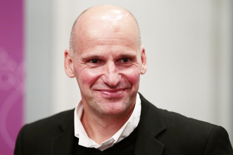 Geir Lippestad har jobbet gratis for massedrapsmannen etter rettssaken. Tidligere i år ble Lippestad byttet ut som Breiviks advokat.