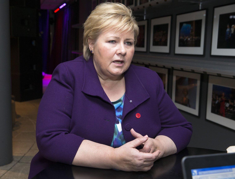 MÅ VEIE TUNGT: Statsminister Erna Solberg mener budsjetthensyn må veie tungt i spørsmålet om hvor mange syriske flyktninger som skal komme til Norge.