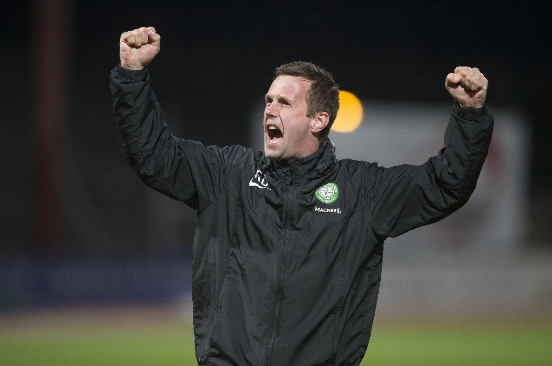 LUKTER GULL: Ronny Deila jubler etter seieren i midtukekampen mot Dundee tidligere denne uka. Søndag var det Dundee United som ble nedsablet 3-0.