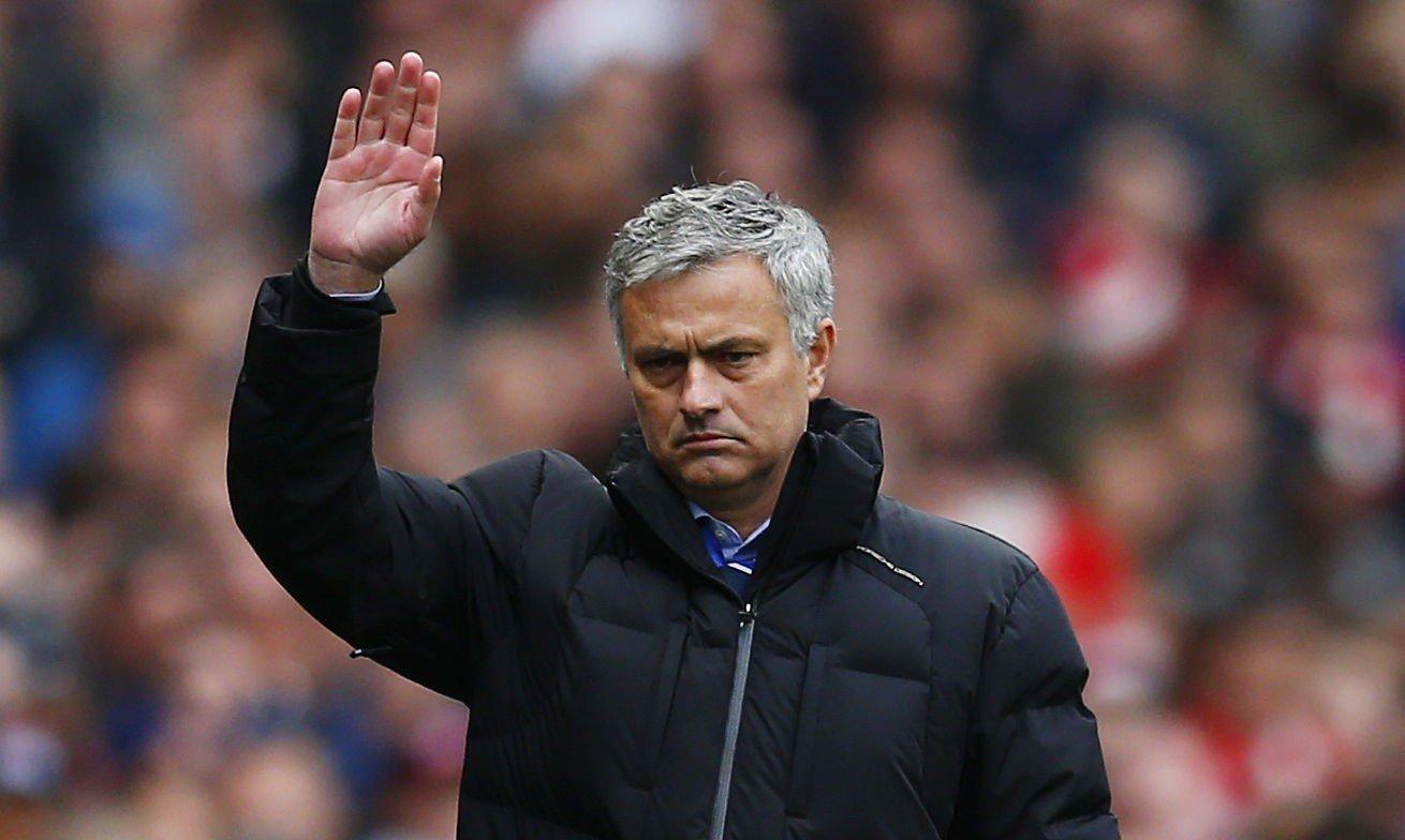 HYLLET TERRY: José Mourinho skrøt voldsomt av John Terrys innsats mot Arsenal.