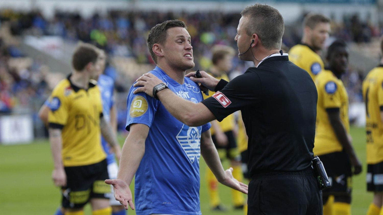 Tommy Høiland mener NFF bør reagere etter at han mener han ble stemplet ned av Lillestrøm-keeper Arnold Origi.