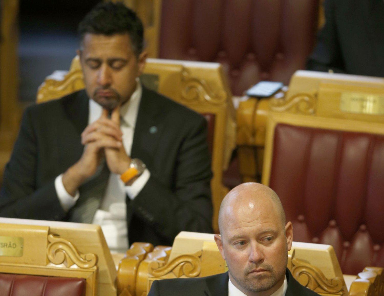 Venstres Abid Raja under tirsdagens møte. Foto: Terje Pedersen / NTB scanpix