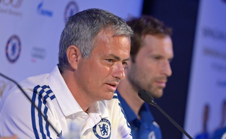 FORSTÅR: José Mourinho forstår Petr Cechs avgjørelse om å forlate Chelsea.