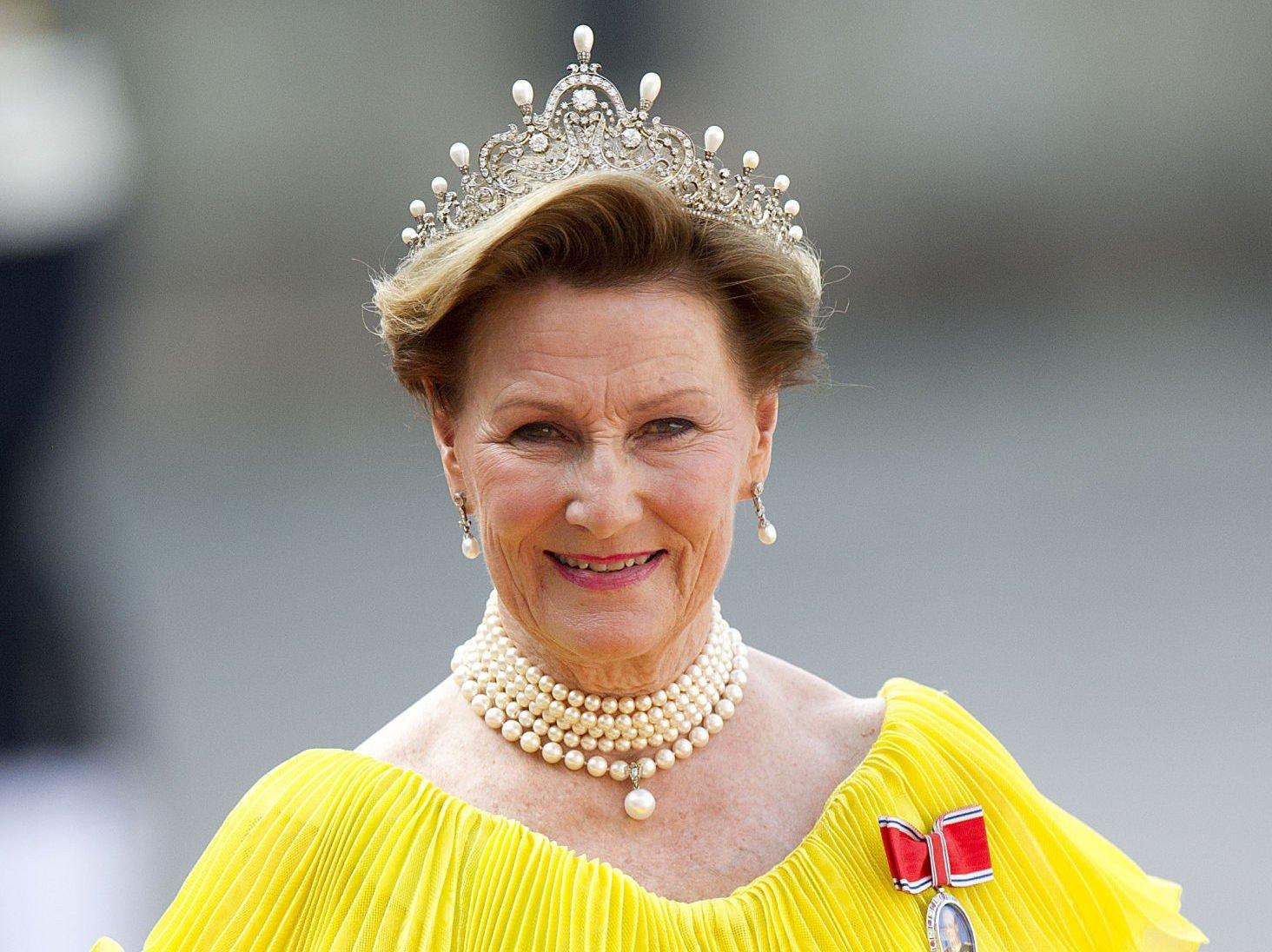 FYLLER ÅR: Dronning Sonja fyller 78 år lørdag. Bildet er tatt i bryllupet til svenske prins Prins Carl Philip og Sofia Hellqvist.