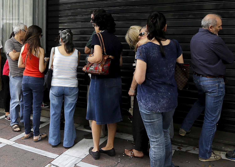 Ifølge avisen Kathimerini har varehandelen i Hellas lidd tap på rundt 600 millioner euro i løpet av bankstengningen.
