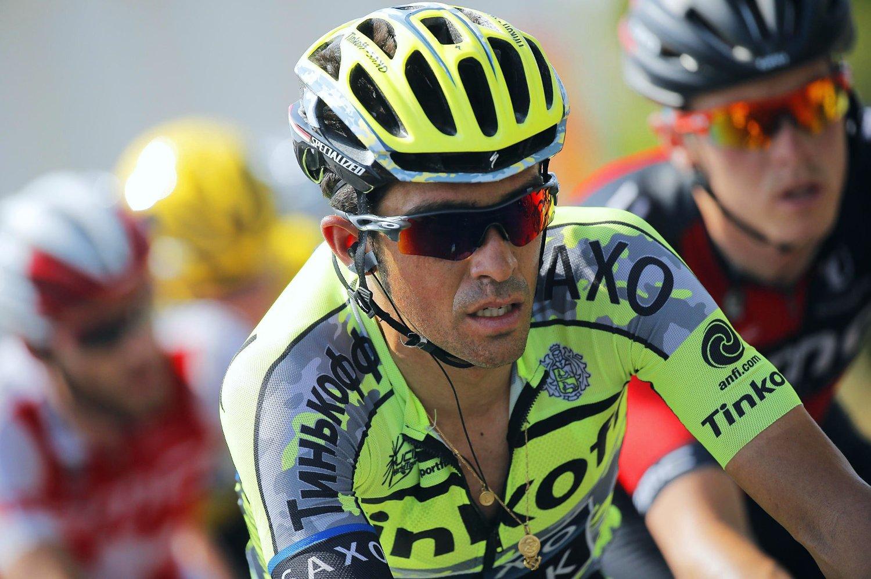 I ASFALTEN: Tinkoff-Saxo-kaptein Alberto Contador sykl et offensivt, men ble likevel en av de store taperne på den 17. etappen av Tour de France.