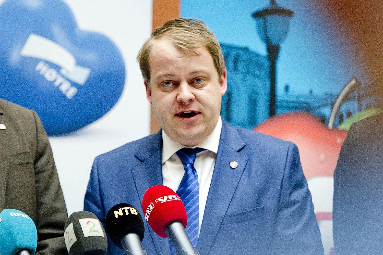 Nestlederen i Stortingets Arbeids- og sosialkomité, Frps Erlend Wiborg (bildet), mener regjeringen bør vurdere å følge alle eller deler av den britiske regjeringens forslag om å stramme inn innvandringsreglene.