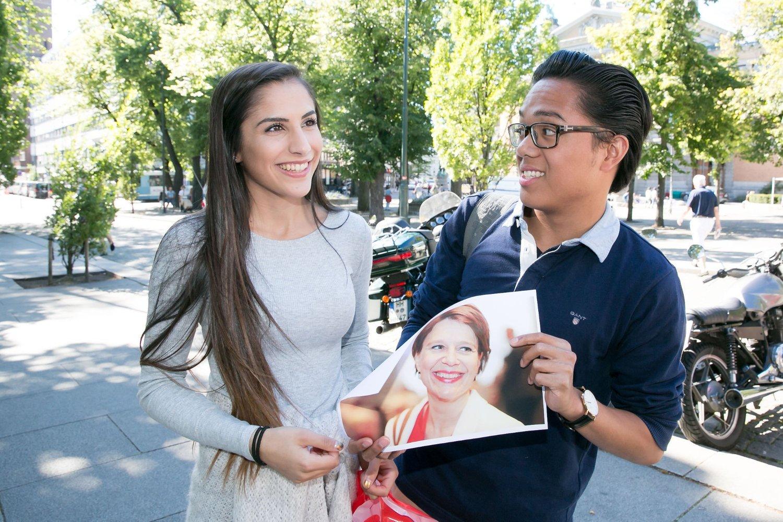 HVEM ER DET?: Nina Hakimi og John Brevik var to av flere som ikke kjente igjen Aps ordførerkandidat Tone Tellevik Dahl på gata i Oslo.
