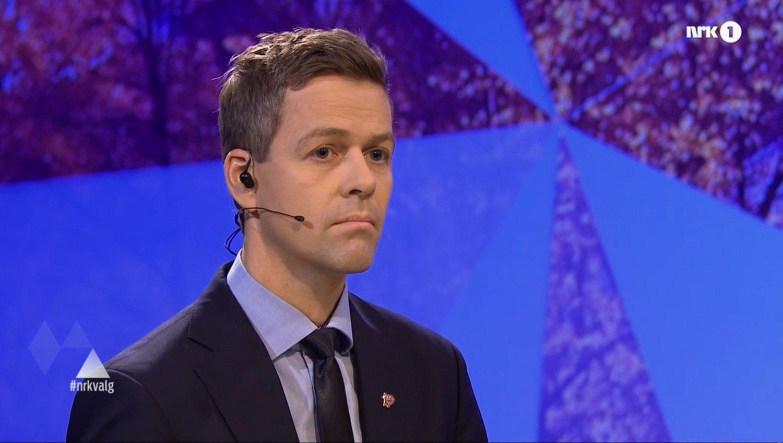 KRASS KRITIKK: KrF-leder Knut Arild Hareide beskylder leder i Arbeiderpartiet for sidebytte i politikken i flyktningesaken (bildet er fra NRK-debatten på fredag).