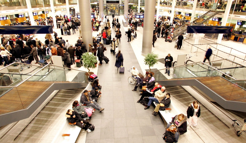 BOMBETRUSSEL: Den norske 15-åringen ble pågrepet av politiet etter en bombetrussel på Kastrup lufthavn i København. Han forklarte selv at det hele var en spøk.