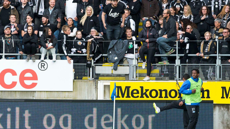 TRUET: Mushaga Bakenga ble truet av en person i forkant av søndagens oppgjør mellom Molde og Rosenborg.