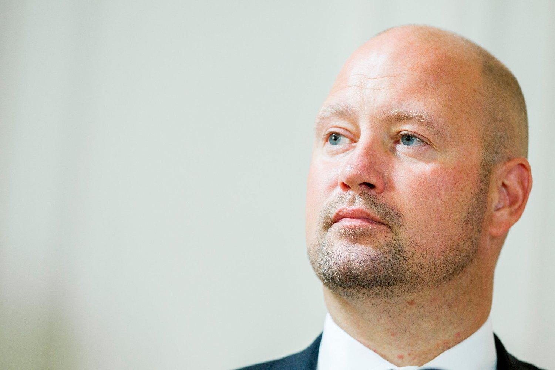 IKKE GJERDER: Justisminister Anders Anundsen sier at det ikke vil bli gjerder ved grensen til Norge.