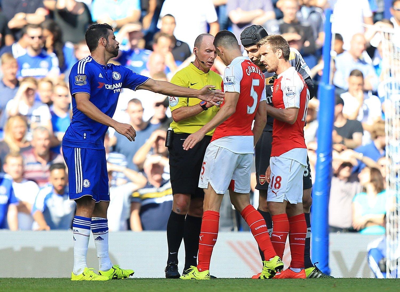 INGEN SUSPENSJON: Fotballforbundet i England mener Gabriel ikke gjorde noe galt mot Diego Costa.