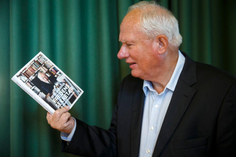 Geir Lundestad har fått mye oppmerksomhet for boka «Fredens sekretær» om sitt virke i Nobelkomiteen gjennom 25 år.