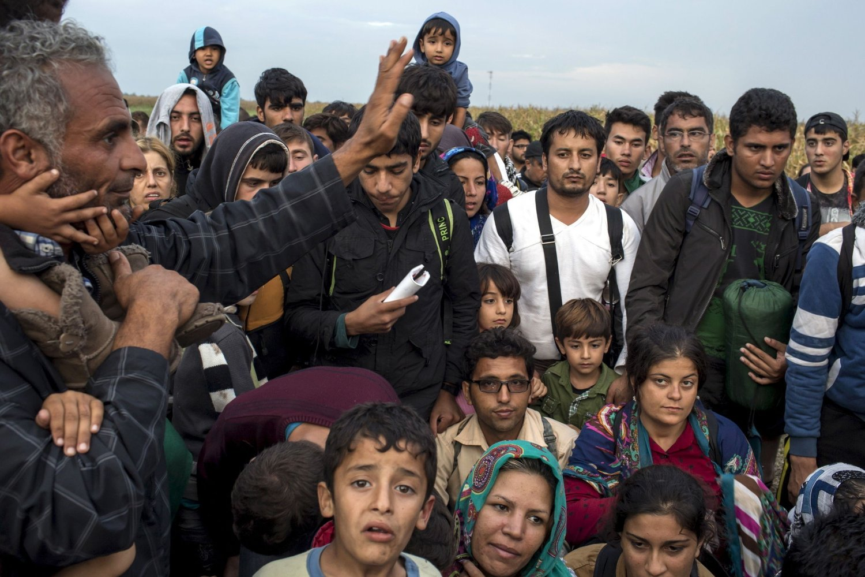 Bildene av flyktninger fra det krigsherjede Syria, skaper engasjement lokalt, så vel som nasjonalt og internasjonalt.