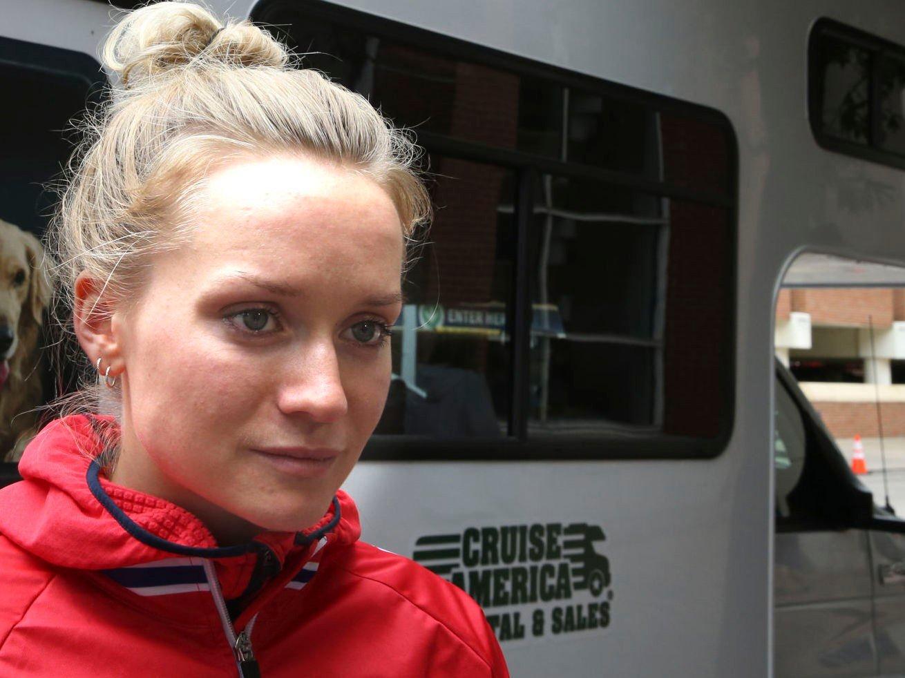 STOR NEDTUR: En skuffet Miriam Bjørnsrud måtte bryte sykkel-VM med sykdom. Foto: Terje Pedersen / NTB scanpix
