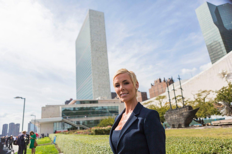 Gunhild Stordalen i rosehagen bak FN byggningen i slutten av september. Hun ledet da EAT-konferansen som gikk av stabelen under FNs hovedforsamling.