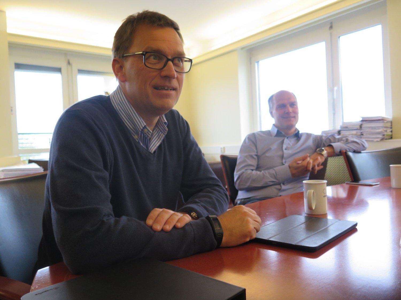 Kristian (t.v) og Roger Adolfsen kommer trolig til å omsette for sju milliarder kroner gjennom Adolfsen Group i år.