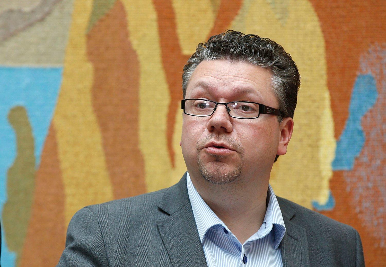 RASER MOT MDG: Ulf Leirstein mener MDG leker politikk når de stikker av fra intervju uten å svare på spørsmålet de blir stilt.