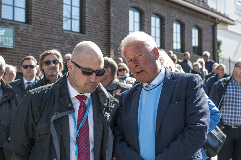 Justisminister Anders Anundsen og Frp-veteran Carl I. Hagen under Frps 1. mai-markering på Jessheim.
