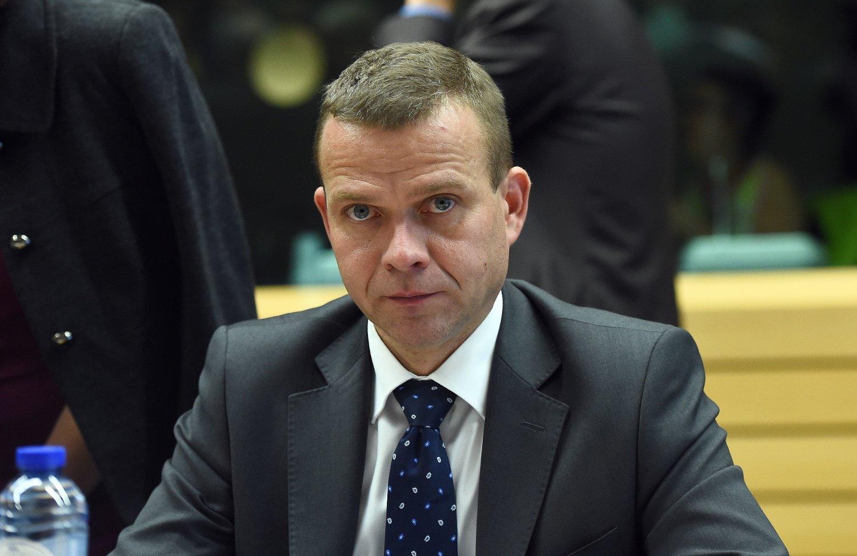 Den finske innenriksministeren Petteri Orpo er glad for at Sverige innfører grensekontroll.