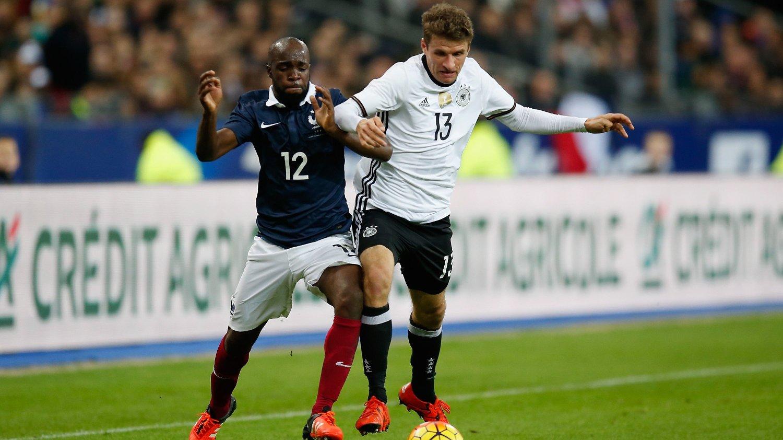 BERØRT: Lassana Diarra mistet kusinen i terrorhandlingene samtidig som han selv spilte treningskamp for det franske landslaget.