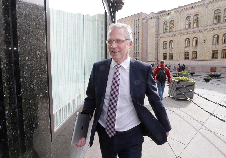 Frps Øyvind Korsberg, som sitter i Stortingets næringskomité, var en av flere Frp-ere som stemte imot forslaget til budsjettavtale fra sin egen regjering på grunn av flyseteavgiften.