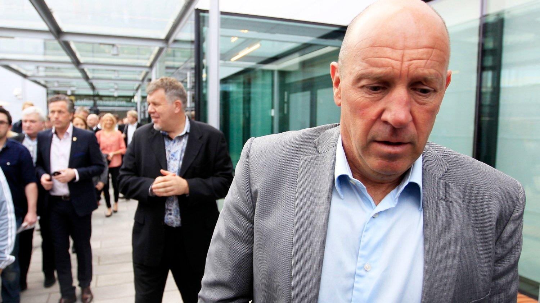 FORTSATT I BØLGEDAL: Toppfotballsjef Nils Johan Semb og generalsekretær Kjetil Siem (bak) har ikke lykkes med å nå målene for norsk fotball de siste årene.