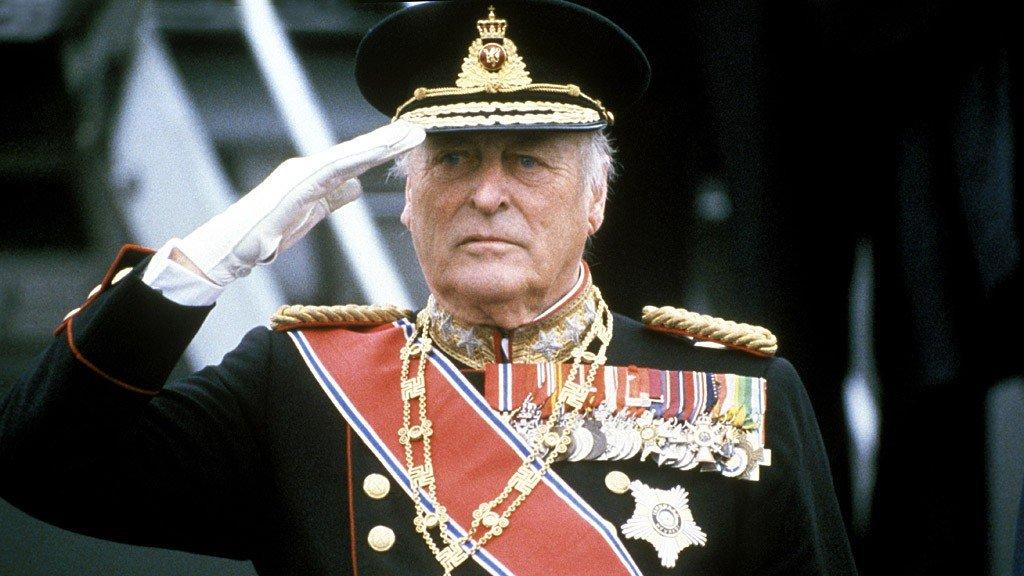 POPULÆR KONGE: Kong Olav V var konge i Norge i 33 år, og fikk betegnelsen folkekongen. Han var en populær konge. Søndag er det 25 år siden kong Olav døde, den 17. januar 1991.