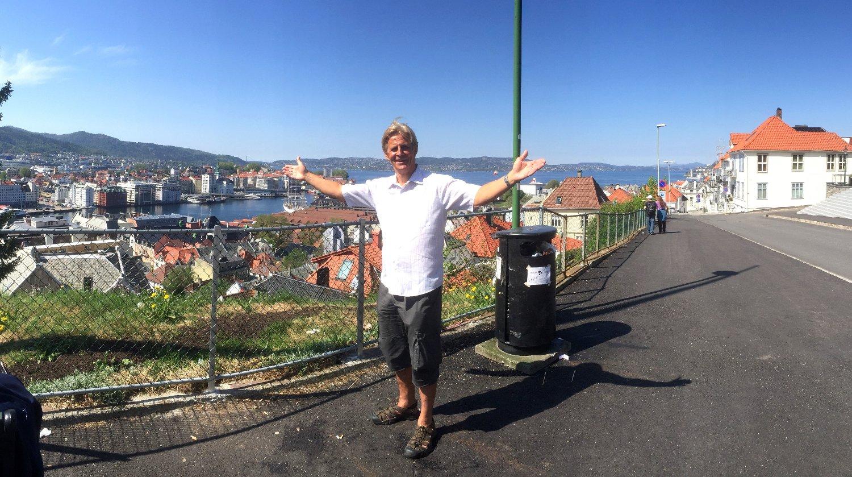 Anders Magnus flyttet til Bergen i studietida, og kom seg aldri derifra. Møt ham i Det store intervjuet i Nettavisen.